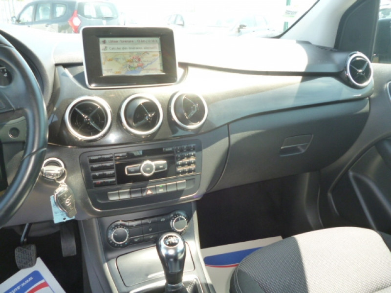 Photo 11 de l'offre de MERCEDES-BENZ CLASSE B (W246) 180 CDI FASCINATION à 11600€ chez Jestin autos