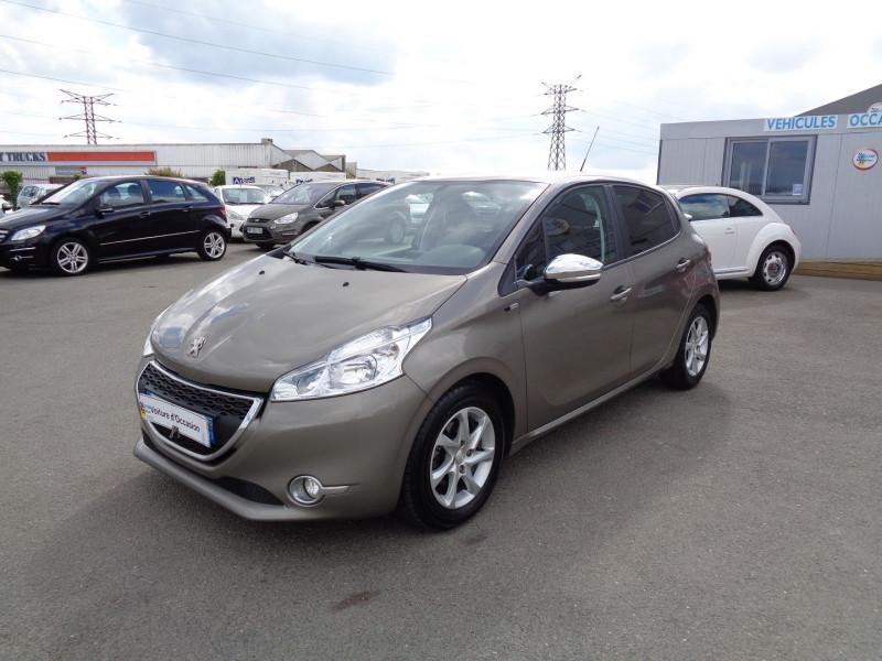 Peugeot 208 1.6 E-HDI FAP STYLE 5P Diesel GRIS C Occasion à vendre