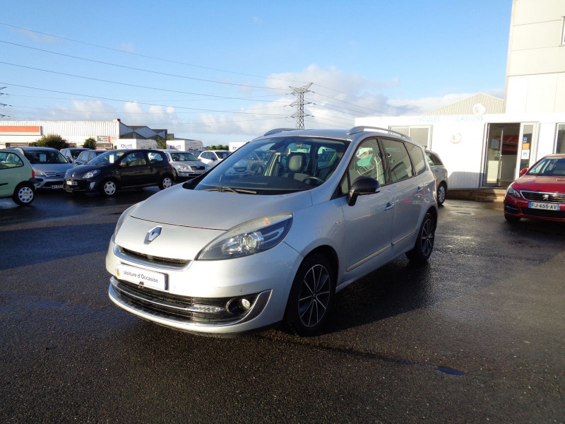 Renault GRAND SCENIC III 1.6 DCI 130CH ENERGY BOSE ECO² 7 PLACES Diesel GRIS C Occasion à vendre