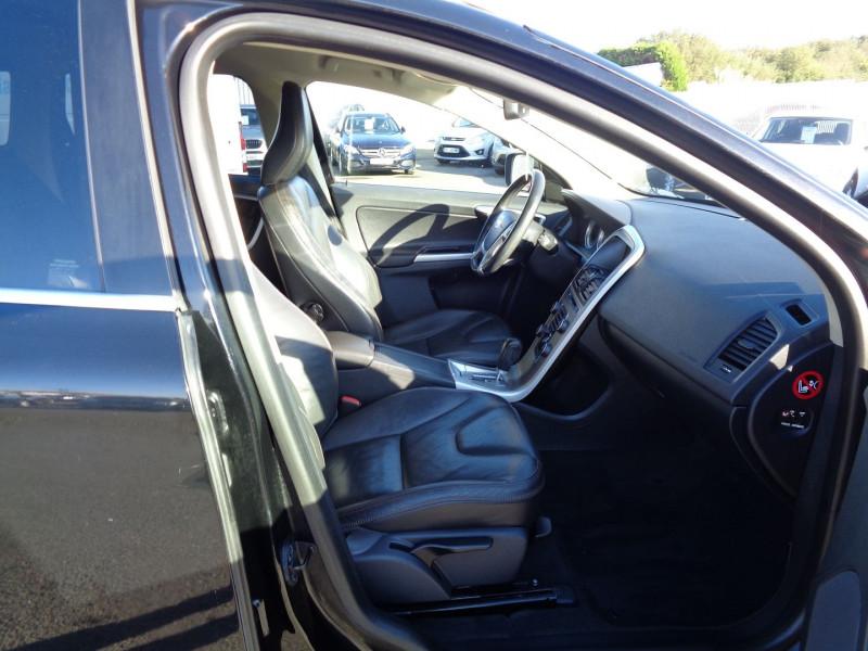Photo 5 de l'offre de VOLVO XC60 D3 163CH SUMMUM GEARTRONIC à 14990€ chez Jestin autos