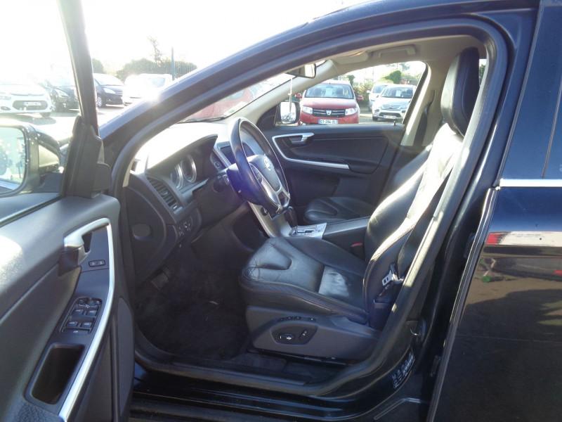 Photo 9 de l'offre de VOLVO XC60 D3 163CH SUMMUM GEARTRONIC à 14990€ chez Jestin autos