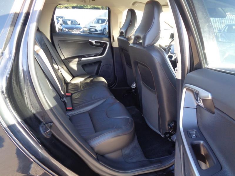 Photo 6 de l'offre de VOLVO XC60 D3 163CH SUMMUM GEARTRONIC à 14990€ chez Jestin autos