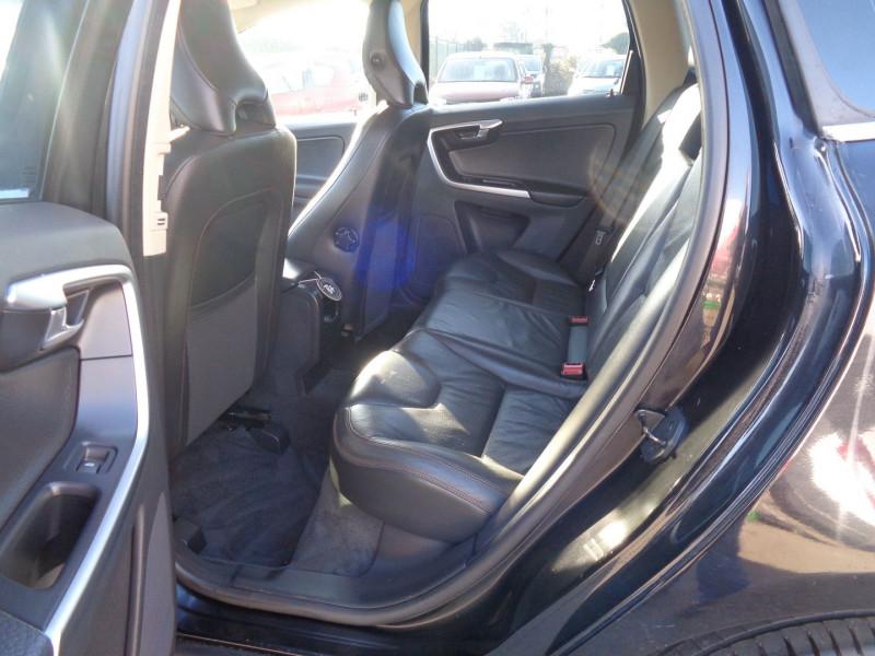 Photo 7 de l'offre de VOLVO XC60 D3 163CH SUMMUM GEARTRONIC à 14990€ chez Jestin autos