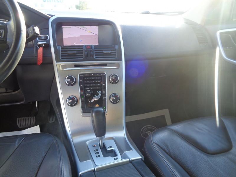 Photo 11 de l'offre de VOLVO XC60 D3 163CH SUMMUM GEARTRONIC à 14990€ chez Jestin autos