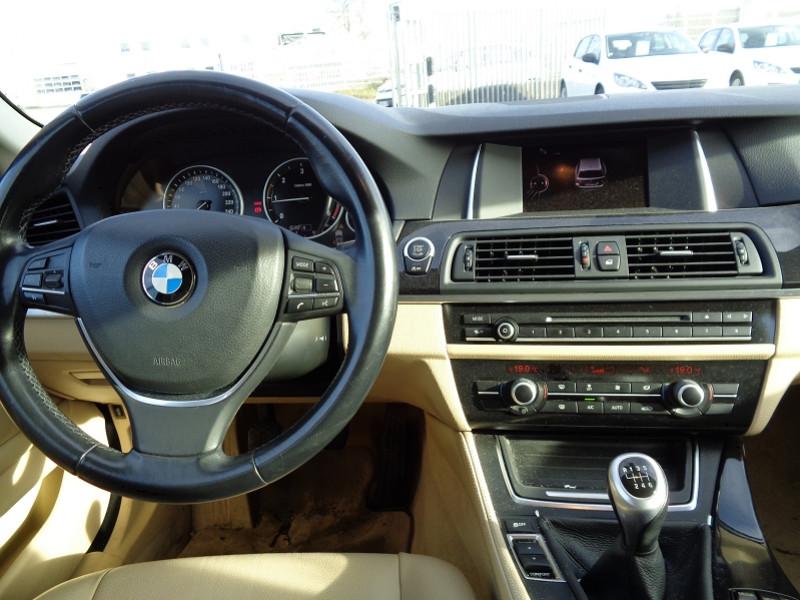 Photo 6 de l'offre de BMW SERIE 5 (F10) TOURING 520D 190CH LOUNGE PLUS à 13200€ chez Jestin autos