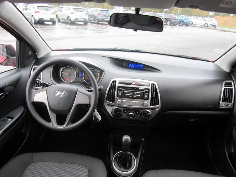 Photo 6 de l'offre de HYUNDAI I20 1.1 CRDI75 PACK EVIDENCE BLUE DRIVE à 8680€ chez MGA Bruz