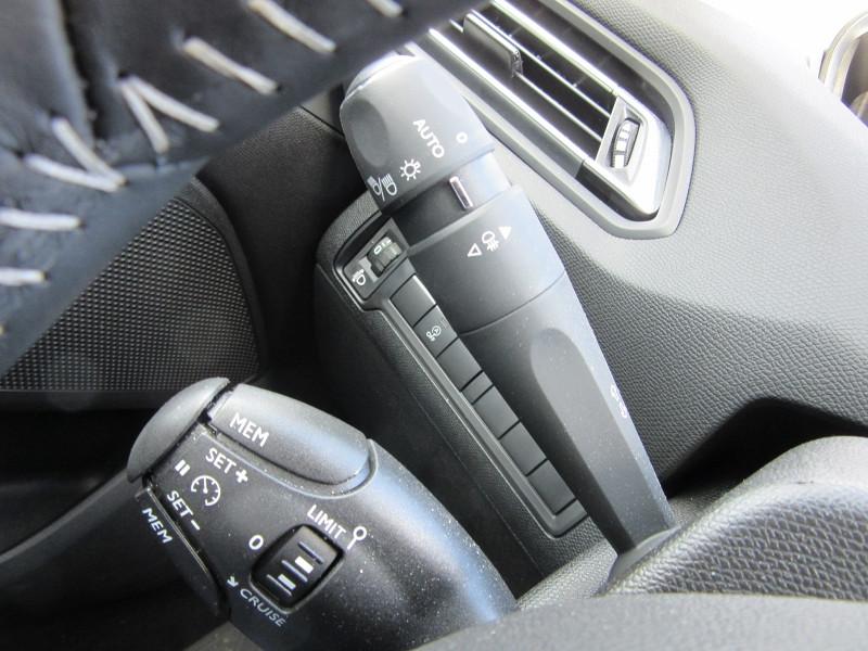 Photo 9 de l'offre de PEUGEOT 308 SW 1.2 PURETECH 110 ACTIVE GPS CAMERA à 16980€ chez MGA Bruz