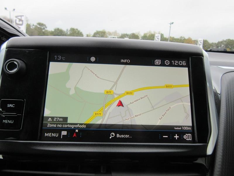 Photo 11 de l'offre de PEUGEOT 2008 1.2 PURETECH 130 SIGNATURE GPS à 16480€ chez MGA Bruz