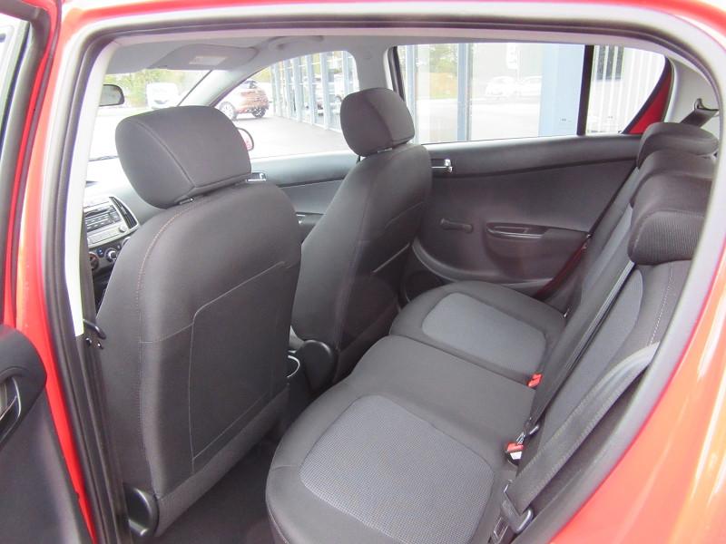 Photo 5 de l'offre de HYUNDAI I20 1.1 CRDI75 PACK EVIDENCE BLUE DRIVE à 8680€ chez MGA Bruz